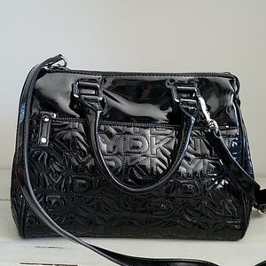 DKNY.patten leather purse